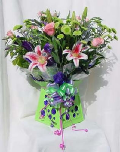 Send Flowers To Mumbai Online In Same Day Delivery